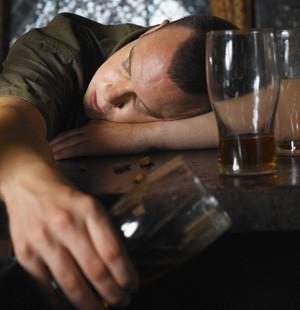 Come a cura per alcolismo in rimedi di gente di condizioni di casa